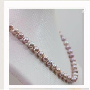 Jewelry - Real Freshwater pink / Lavender Pearl Necklace set